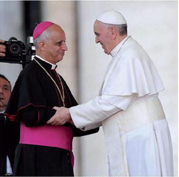 Mons. Fisichella con Papa Francesco