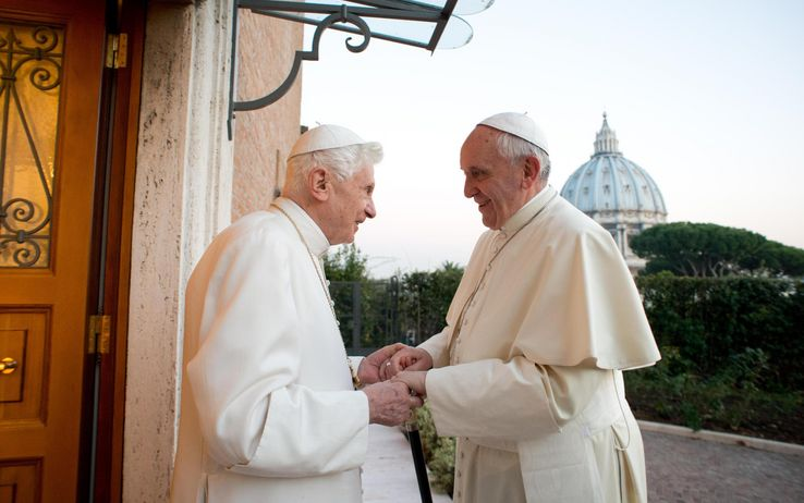 Benedetto XVI con Papa Francesco